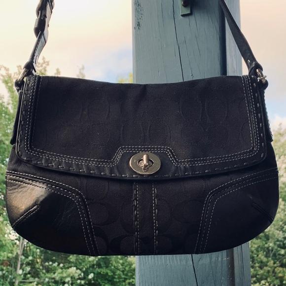COACH Handbags - Cute Coach Bag